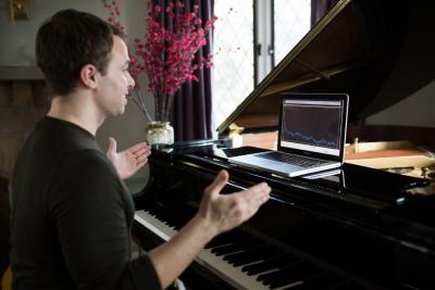 Luke Steinhauer, Estill Master Trainer, teaching voice online